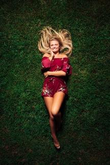 Senior portrait of Claire photographed by Kansas City photographer, Mike Curtis