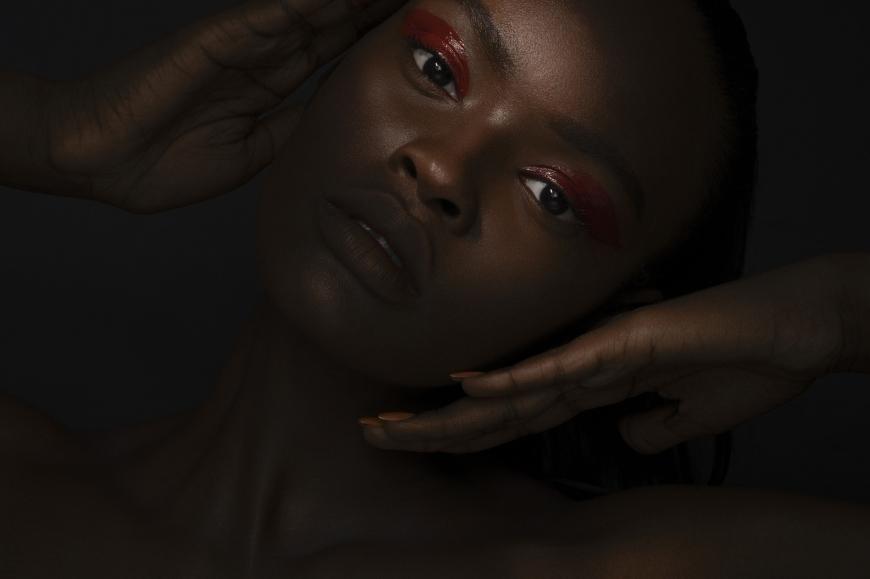 De'Airra photographed by Dimitri Fevrier