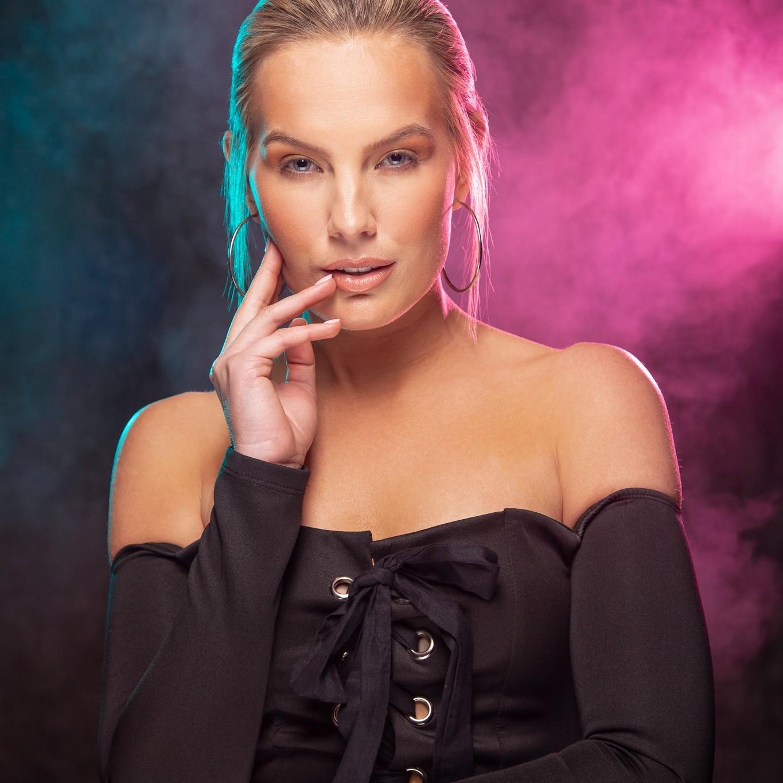Photographer: Doug Littlejohn | Model: Allee-Sutton Hethcoat